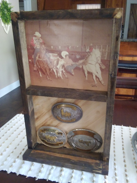 Buckle Display