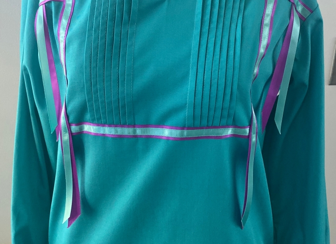 Turquoise; size small; turquoise and purple ribbons